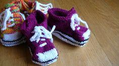 des baskets pour petons aubergine!