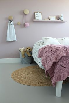 living room ideas – New Ideas Pink Bedrooms, Girls Bedroom, Girls Room Design, Tadelakt, Attic Spaces, Nursery Room Decor, Little Girl Rooms, Awesome Bedrooms, Bed Styling