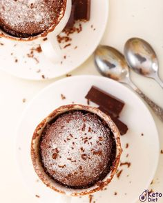 Sometimes a chocolate craving hits and you need something fast. This Keto chocolate mug cake is perfect for such moments 🍫☕️ What is your biggest dessert craving? Leave a comment and let us know👇 ° ° ° Keto Meal Plan, Diet Meal Plans, Ketogenic Recipes, Diet Recipes, Best Keto Fast Food, Keto Chocolate Mug Cake, Keto Burger, Ketones Diet, Keto Fruit