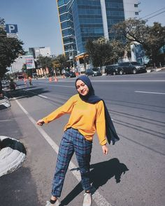 Modest Fashion Hijab, Modern Hijab Fashion, Street Hijab Fashion, Hijab Fashion Inspiration, Casual Hijab Outfit, Ootd Hijab, Hijab Chic, Casual Fall Outfits, Fashion Outfits