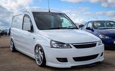 Combo C Volkswagen Caddy, Vw, Mini Vans, Cool Vans, Custom Vans, Camper Van, Van Life, Cars And Motorcycles, Automobile
