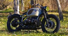 BMW R100 1977 Bobber by Cafe Racer Dreams #motorcycles #bobber #motos | caferacerpasion.com