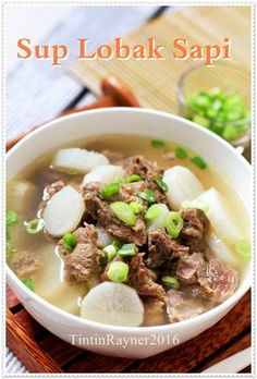 Resep Sup Lobak Sapi bening simpel ala Oma ^__^ oleh Tintin Rayner Fun Easy Recipes, Asian Recipes, Beef Recipes, Cooking Recipes, Recipies, Napa Cabbage Recipes, Cabbage And Beef, Spagetti Recipe, Recipes