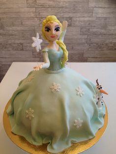 Frozen frost Elsa cake with Olaf Elsa Cakes, Olaf, Frost, Desserts, Tailgate Desserts, Deserts, Dessert, Food Deserts