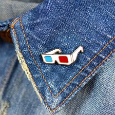 Eye popping! These 3D glasses pins are a perfect gift for your favorite movie…