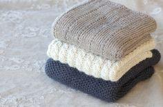 Tre søte babytepper - Design by Marte Helgetun Knitting For Kids, Baby Knitting, Knitting Designs, Knitting Patterns, Baby Barn, Kids Blankets, Felt Hearts, Make Design, Beautiful Babies