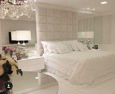 Clean e chique; Fancy Bedroom, Master Bedroom Interior, Cosy Bedroom, Bedroom Bed Design, Dream Bedroom, Home Interior, Home Decor Bedroom, Modern Luxury Bedroom, Luxurious Bedrooms