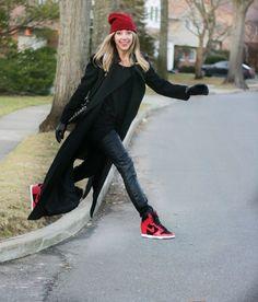 beanie, nike wedge sneakers and skinny jeans