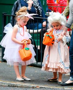 Sarah Jessica Parker's twins Marion & Tabitha for #Halloween