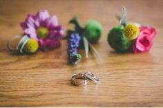 buttonholes dont have to be just  roses or even all match!