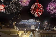 Feiern Sie mit uns den Jahreswechsel mit einer rauschenden Ballnacht oder mit einem mehrgängigen Silvester-Galadinner in einem unserer Restaurants Gala Dinner, Salzburg, Das Hotel, Restaurants, Hotels, Christmas Tree, City, Holiday Decor, Home Decor