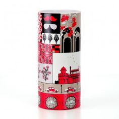 Blurry Vignettes Vase : Depicting the tides of Indian history on a palette, from the grandeur of ancient architecture to modern retro chic. Hop on the second deck and travel through the frames, each poignant with its own classic fairytale.