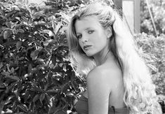 Kim Basinger at 18 was the most beautiful girl in the wold and still.