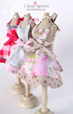 www.iloveaprons.es                                           {These are cute Ideas for Full Length Aprons K.H.}