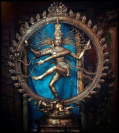 ♪┗ ( ・o・) ┓♪ A Visual Sermon ♪┏(・o・ )┛♪ Shiva Tandav, Rudra Shiva, Shiva Statue, Shiva Art, Shiva Photos, Arte Dope, Lord Shiva Family, Lord Vishnu Wallpapers, Lord Shiva Painting