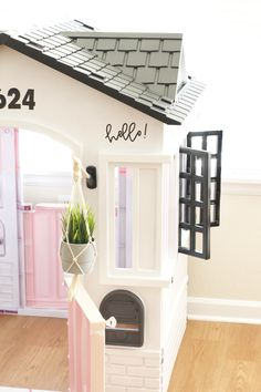 Little Tikes Cottage Playhouse Makeover for kids. Step by step tutorial on how to achieve a modern playhouse. Painted Playhouse, Playhouse Decor, Plastic Playhouse, Modern Playhouse, Backyard Playhouse, Playhouse Ideas, Little Tykes Playhouse, Little Tikes House, Girls Playhouse