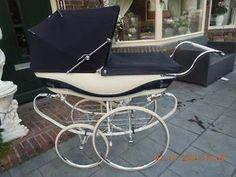 Ouderwetse Engelse kinderwagen WILSON.(Silvercross)Reborns