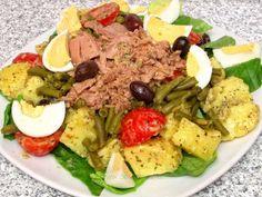 Salată Niçoise Nicoise, Cobb Salad, Tasty, Cooking, Food, Knits, Anna, Diet, Salads