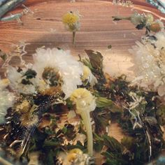 """Try a cooling mix of chrysanthemum, chamomile and peppermint for """"French Riviera"""" weather. #tea #pekoetea #beautifulleaves"""