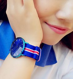 Pick out the corresponding color strap to match your style, you are the best girl Mona.