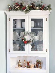 Farmhouse Christmas Decor, Christmas Kitchen, Christmas Home, Christmas Holidays, Christmas Crafts, Simple Christmas, Christmas Trees, Christmas Mantles, Christmas Interiors