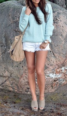 summer to fall :: cozy sweater with shorts