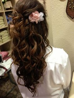 Looks like my natural hair almost(: