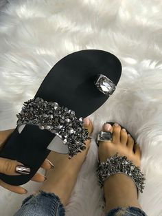 1b581bfea5569 Shop Womens Shiny Toe Ring Flat Sandals – Discover sexy women fashion at  Boutiquefeel