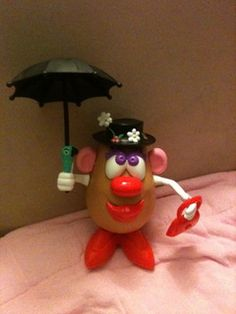 Does anyone have any pictures of the Disney Mr. Potato Head parts? Disney Trips, Disney Parks, Walt Disney, Mr Potato Head, Potato Heads, World Book Day Ideas, Toy Craft, Quiet Books, Mary Poppins
