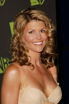 Lori Loughlin Born Lori Anne Loughlin July 1964 (age Queens, New York City, New York, U. Occupation Actress, model and Producer Lori Loughlin, Laurie Laughlin, Emily Browning, Full House, Celebrity Pictures, Classic Hollywood, American Actress, Sexy Women, Hair Beauty