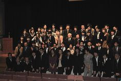 Выпускной по-японски: студенты школы «Only One» получают дипломы