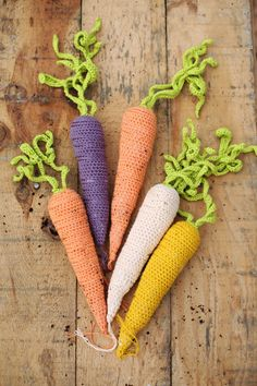 DIY: crochet carrots