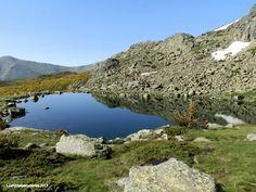 Photo of Lagunas de Peñalara - Laguna Grande Peñalara Hiking Routes, Hiking Trails, Weather Day, Seasons Of The Year, Natural Wonders, Beautiful Landscapes, Trekking, Spain, Scenery