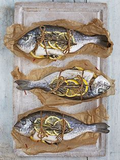 Try our sea bream recipe cooked en papillote. This fish recipe for whole sea bream or paper fish cooked en papillote is super easy to make Sea Bream Recipes, Seafood Recipes, Cooking Recipes, Cooking Fish, Cooking Lamb, Cooking Bacon, Cooking Turkey, Whole Fish Recipes, Paper Fish