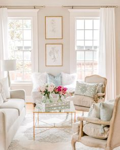 Glam Living Room, Formal Living Rooms, Home And Living, Living Room Decor, Bedroom Decor, Cozy Living, Small Living, Wall Decor, French Living Rooms