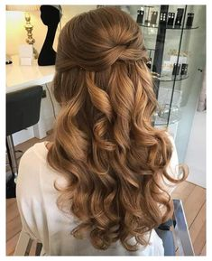 Valentine's Day Hairstyles, Quince Hairstyles, Prom Hairstyles For Long Hair, Elegant Hairstyles, Formal Hairstyles, Hairstyles With Bangs, Wedding Hairstyles, Updos Hairstyle, Gorgeous Hairstyles