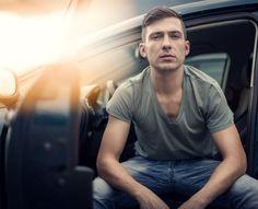 #Portrait #man #sun #light #car #auto Sun Light, Mario, Portrait, Mens Tops, T Shirt, Fashion, Picture Ideas, Pictures, Sunlight