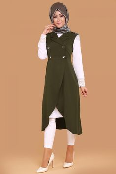 Omuzları Apoletli Yelek Haki Ürün kodu: MSW8133 --> 79.90 TL Muslim Fashion, Hijab Fashion, Fashion Outfits, Womens Fashion, Fashion Trends, Modest Outfits, Casual Outfits, Official Dresses, Mode Hijab