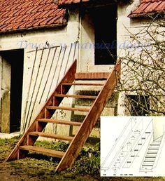 Escalera exterior de madera