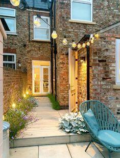 Back Garden Design, Cottage Garden Design, Small Backyard Design, Home And Garden, Outside Living, Outdoor Living, Fresco, Small Courtyard Gardens, Victorian Terrace