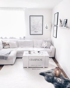 white living room with maritime decor and scandinavian minimalism