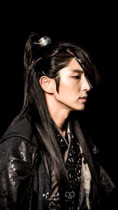 Lee Joon-gi as Prince Wang So in Moon Lovers: Scarlet Heart Ryeo. Korean Star, Korean Men, Asian Men, Asian Actors, Korean Actors, Korean Dramas, Moon Lovers Drama, Scarlet Heart Ryeo Wallpaper, Lee Joong Ki