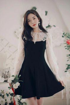 korean fashion ideas which look hot..  #koreanfashionideas Korean Fashion Dress, Korean Dress, Ulzzang Fashion, Korean Outfits, Mode Outfits, Asian Fashion, Fashion Dresses, Kawaii Fashion, Cute Fashion