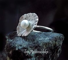 Серебряное кольцо с жемчугом. Размер 17. Цена 1500 руб.