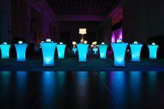 LED decoratie unit 7 cm MulticolorDeze waterdichte LED unit kun je in een vaas plaatsen om zo een bijzonder effect te creëren. Tevens kun je het ook onder statafels plaatsen, of onder meubilair op een feest.
