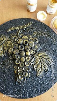 Diy Crafts Slime, Craft Stick Crafts, Clay Crafts, Button Art, Button Crafts, Dream Catcher Craft, Steampunk Crafts, Clay Wall Art, Wall Hanging Crafts