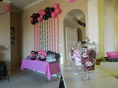 "Photo 8 of 26: Minnie Mouse / Birthday ""Julianna & Jaleigh's Minnie Party"" 