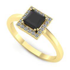 Inelul este format din:  * Piatra principala: 1 x diamant_negru, dimensiune: ~4.50mm, forma: princess; * Pietre secundare: 20 x diamant, dimensiune: ~1.00mm, forma: round