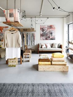 How to Decorate a Studio Apartment 1. Maximized Use & Layout.  Throw some stools under an end table to pull out for extra seating when needed. Have a coffee table that doubles as great storage, or even a chair. Hang shelves from the ceiling. Leave plenty of walking space where possible to make the studio feel relatively roomy.