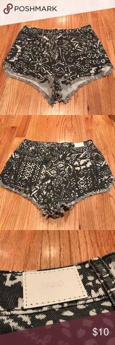 UO BDG Aztec design Super High Waisted Shorts - 29 Excellent used condition Urban Outfitters BDG Super High Waisted denim shorts in size 29W. Aztec design and frayed at the bottom. Only worn a handful of times. From pet free, smoke free home. Urban Outfitters Shorts